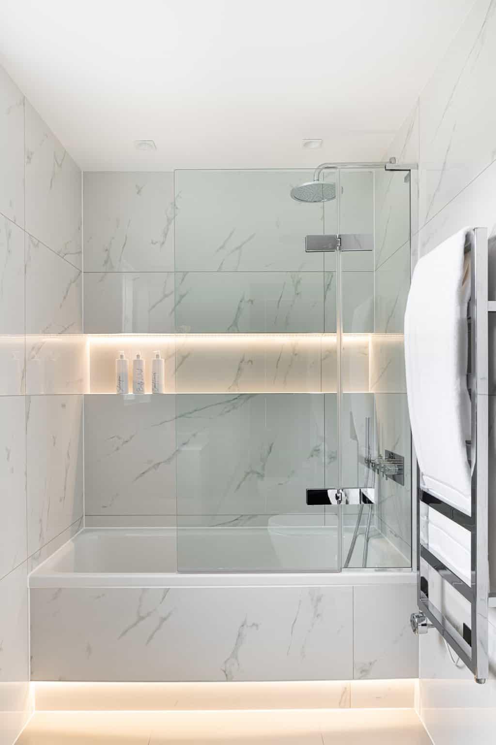 Family Bathroom - Wimbledon